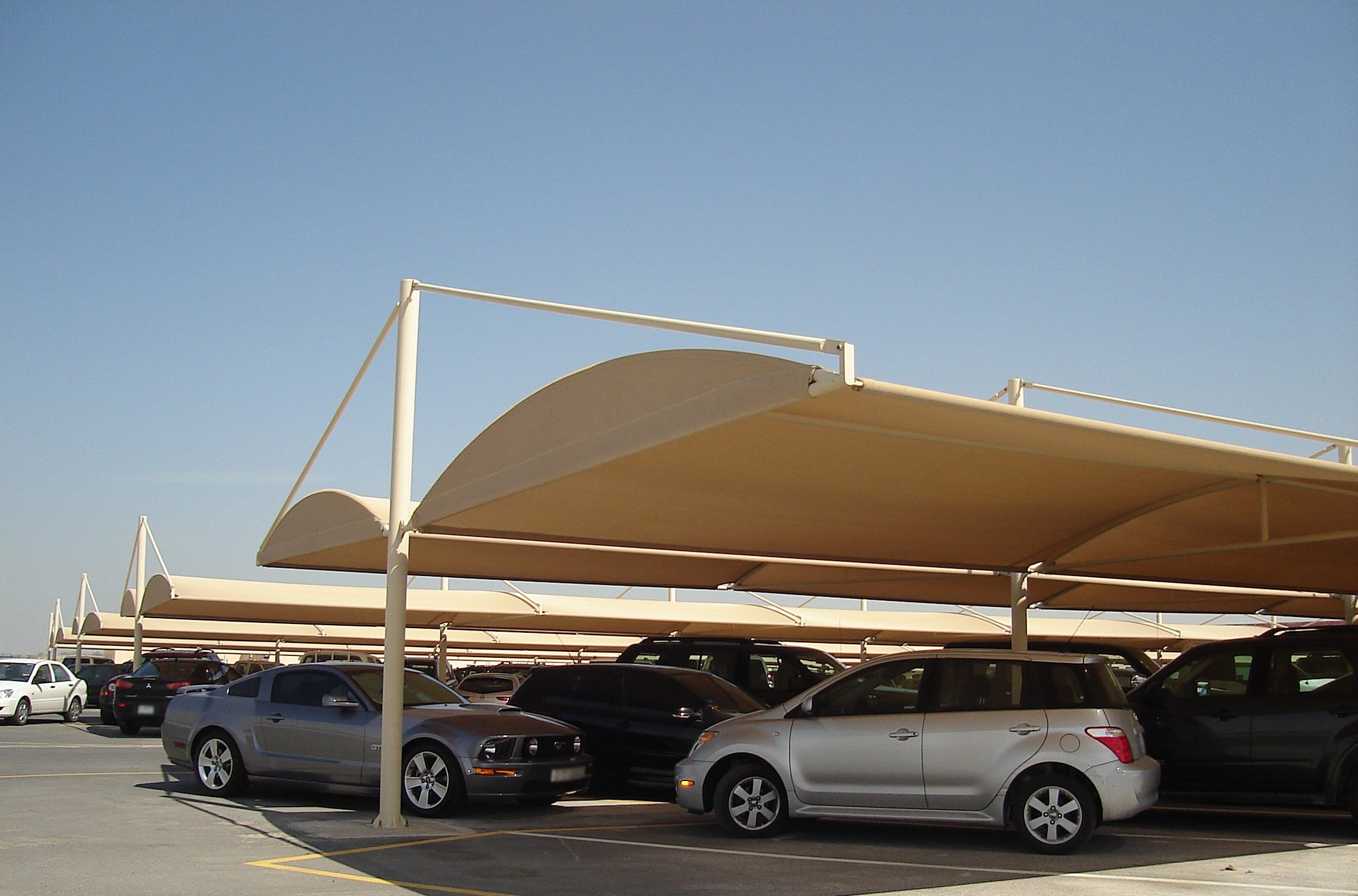 Parking Shade Suppliers: What To Look For When Hiring One